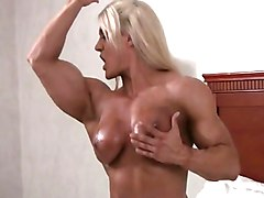 super sexy lisa cross gets naked and bares her clit