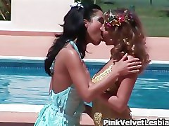 hot blonde and brunette lesbians getting part5