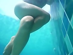 underwater public pool crossed leg masturbation thigh squeezing real orgasm